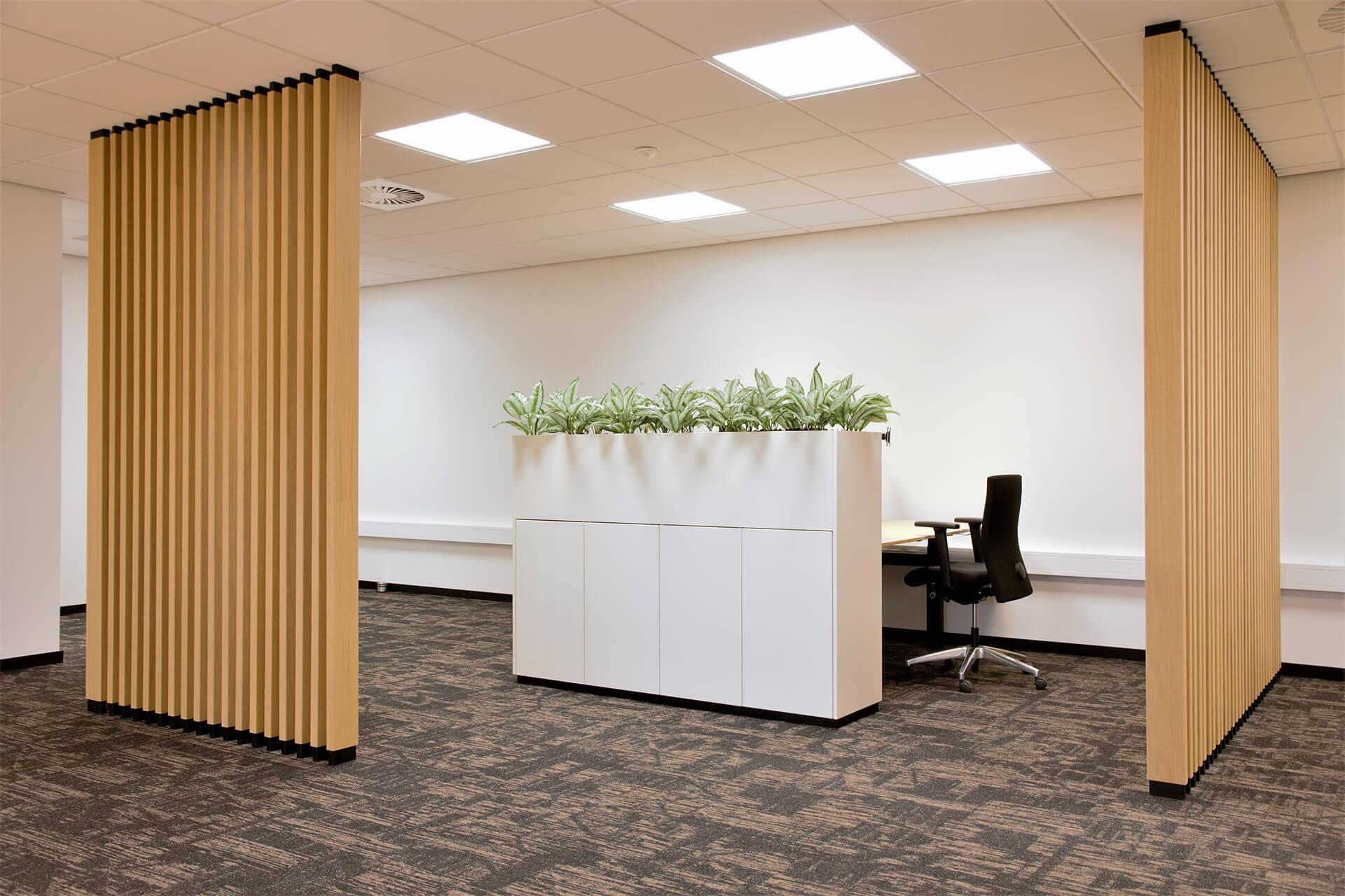 Room divider op kantoor